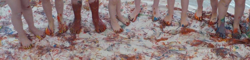 Bild: Viele kleine (bunte) Füße